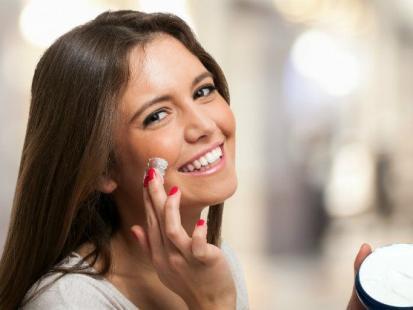 Jak działają na skórę witaminy z kosmetyków?