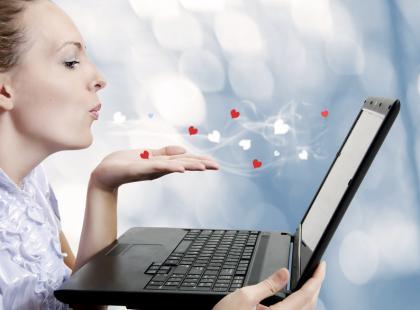 Jak flirtować przez internet?