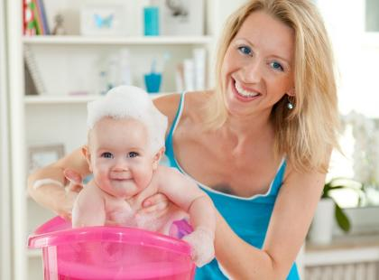 Jak i czym myć głowę niemowlęcia?