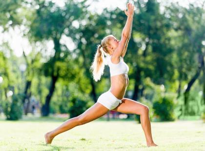 Jak joga wpływa na kręgosłup?