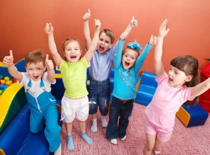 Jak latem zorganizować opiekę przedszkolakowi?