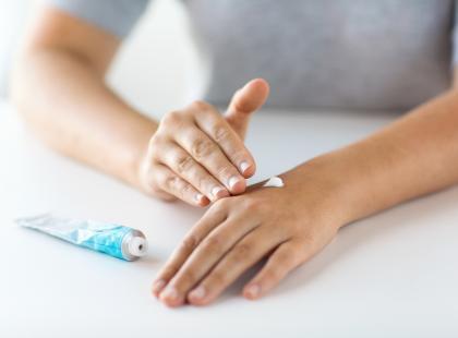 Jak leczy się półpaśca? Oto główne sposoby walki z bólem przy tej chorobie (farmakologiczne i domowe)