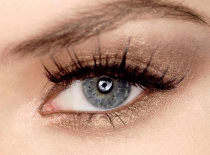 Jak modelować oczy kępkami sztucznych rzęs