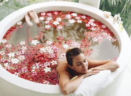 Jak na nasze zdrowie wpływają kosmetyki dodawane do kąpieli?
