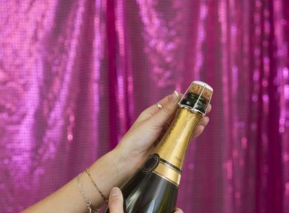 Jak najprościej otworzyć szampana?