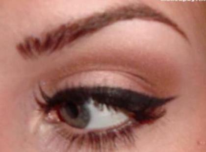 Jak nakładać eyeliner (video)