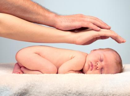 Jak nauczyć niemowlaka samodzielnie zasypiać?