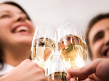 Jak nie przesadzić z alkoholem w sylwestra?