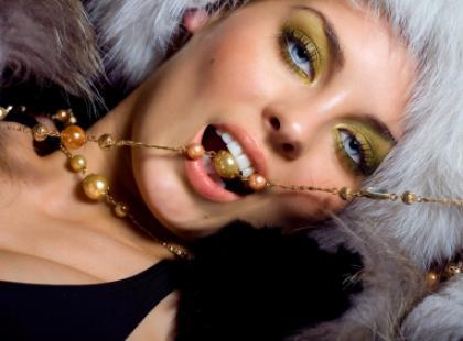 Jak nosić biżuterię