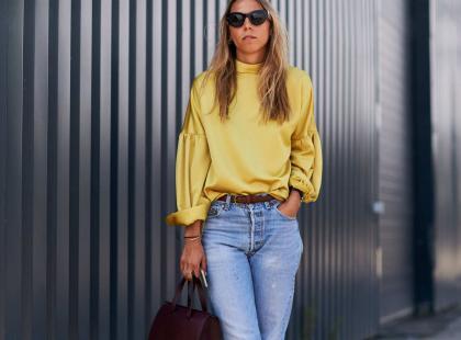 Jak nosić jeansy boyfriend? Stylizacje + 10 modnych wzorów