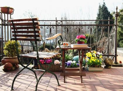 Jak ochronić balkon przed słońcem?