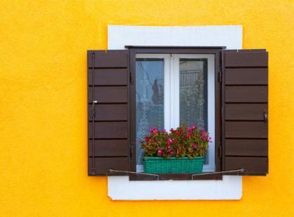 Jak ochronić mieszkanie przed słońcem