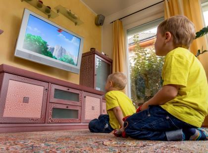 Jak oglądanie telewizji wpływa na małe dziecko?