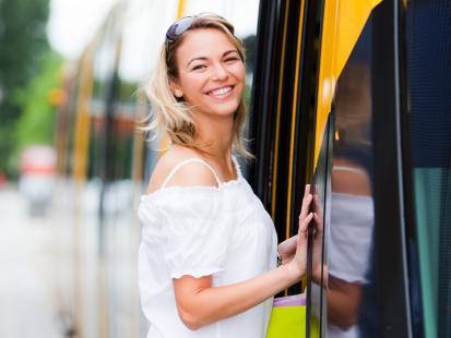 Jak oszczędnie korzystać ze środków transportu?