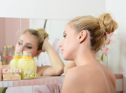 Jak pielęgnować skórę atopową u dzieci, dorosłych i osób starszych?