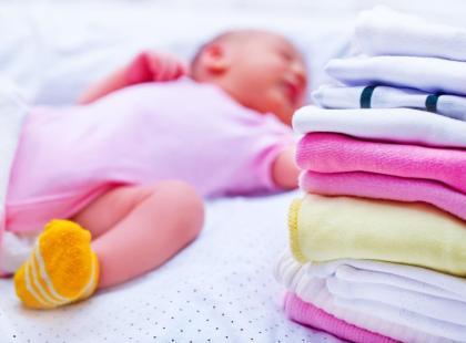 Jak pielęgnować skórę noworodka po zabiegu wyłonienia stomii?