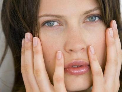 Jak pielęgnować szorstkie dłonie