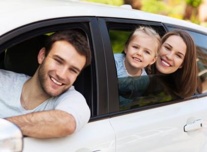 Jak podróżować samochodem z małym dzieckiem?