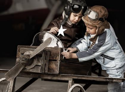 Jak podróżować samolotem z małym dzieckiem?