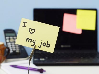 Jak pogodzić nową pracę z planami wakacyjnymi?