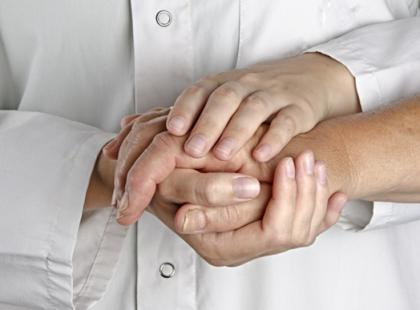Jak pomóc bliskiemu w walce z chorobą?