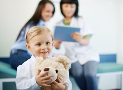 Jak pomóc dziecku pokonać stres podczas pobytu w szpitalu?