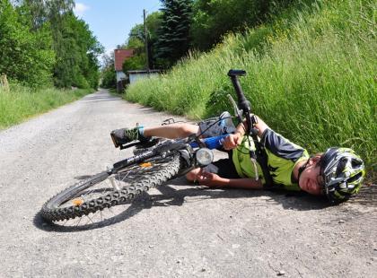 Jak pomóc rannemu rowerzyście? 10 kroków pierwszej pomocy!