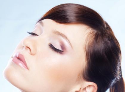 Jak poradzić sobie z ulizanymi włosami?