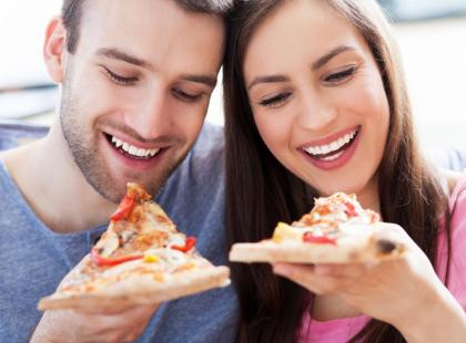 Jak poradzić sobie z wieczornymi napadami głodu?