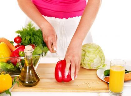 dieta, odchudzanie, jedzenie, gotowanie, warzywa, zdrowe jedzenie, papryka, kapusta/fot. Fotolia
