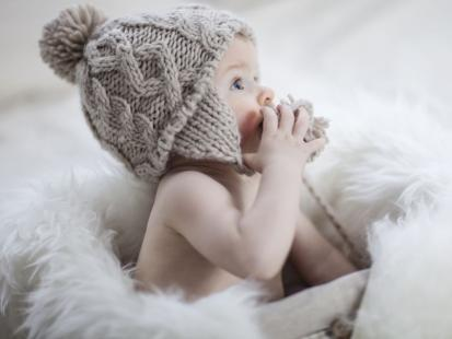 Jak powinno się rozwijać ośmiomiesięczne niemowlę?
