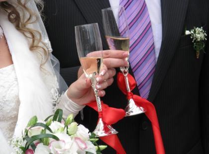 Jak powinno wyglądać tradycyjne powitanie młodej pary?