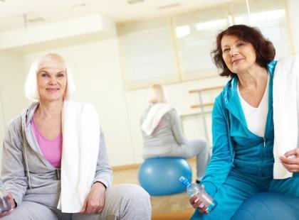 Jak powinny ćwiczyć osoby starsze?