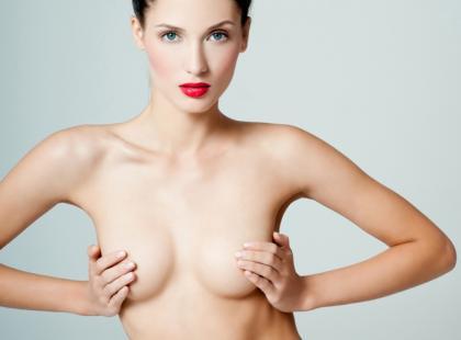 Jak prawidłowo badać piersi?