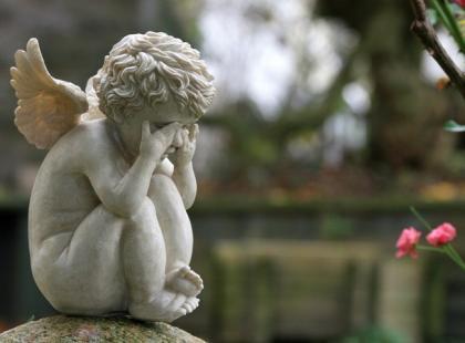 Jak prawidłowo przeżyć żałobę?