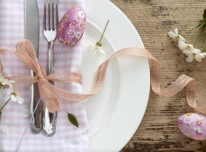 Jak prawidłowo ułożyć talerze i sztućce?