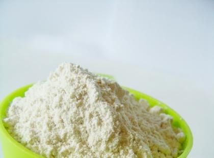 Prałzioki przygotowuje sie z mąki.