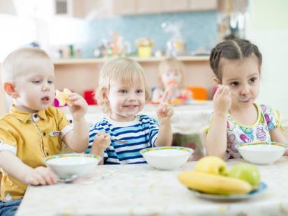 Jak przygotować budyń domowej roboty dla dzieci?
