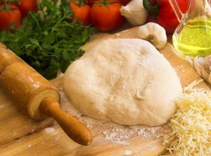 Cornish pasty podobne są do klasycznych pierogów z mięsem, ale zamiast gotować, pieczemy je w piekarniku.