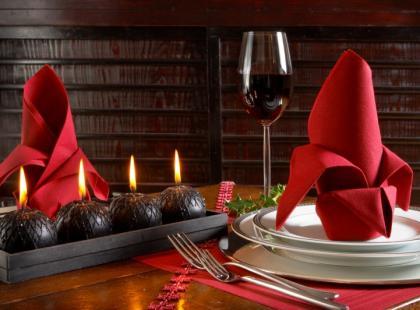 Jak przygotować oryginalną dekorację bożonarodzeniową na stół?