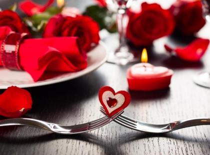 Jak przygotować romantyczną kolację walentynkową?