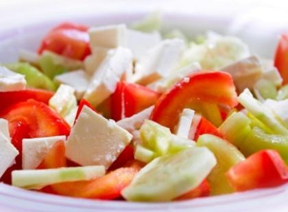 Jak przygotować sałatkę gado-gado?