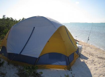 Jak przygotować się na wyprawę pod namiot?