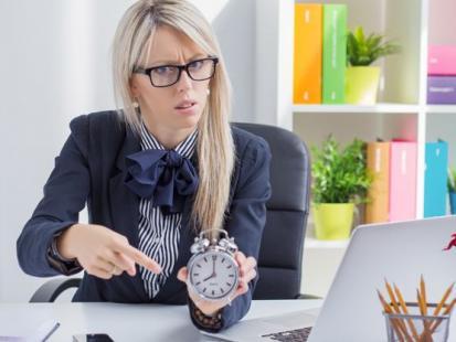 Jak radzić sobie z szefem–poganiaczem?