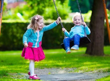Jak samodzielnie urządzić plac zabaw dla dzieci?