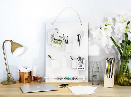 Jak samodzielnie zrobić organizer na biurko?