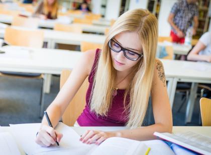 Jak się koncentrować na nauce? 8 rad przydatnych przed egzaminem lub klasówką!