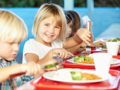 Jak skomponować idealny jadłospis dla ucznia?