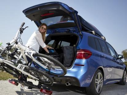 Jak spakować się w podróż samochodem?