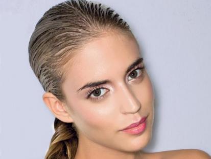 Jak stylizować mokre włosy